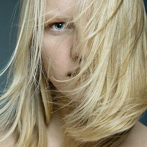Blondes Haar wirkt am schönsten, wenn es super gepflegt ist