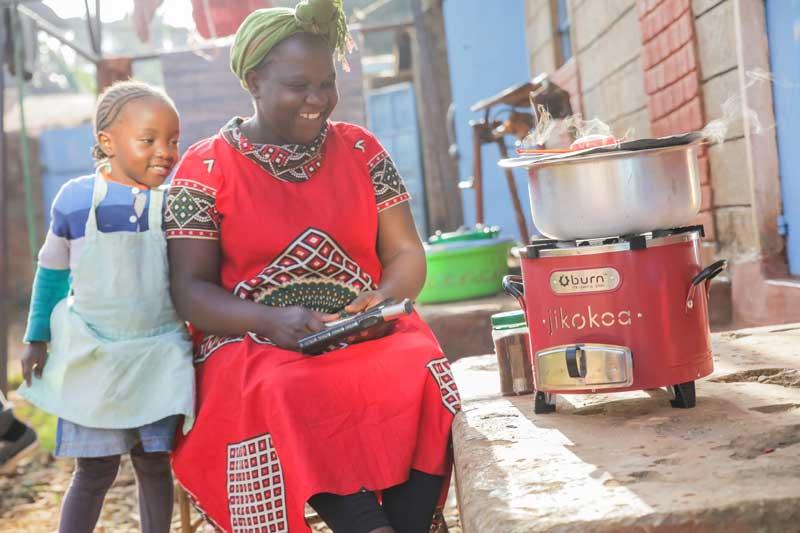 Gesundheit, CO2-Ausstoss und Frauen-Empowerment - das BURN Projekt © bettervest/BURN