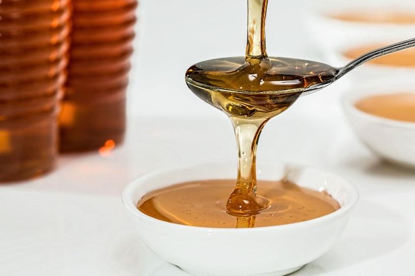 Honig ist ein wirksames Hausmittel bei Erkältungen.