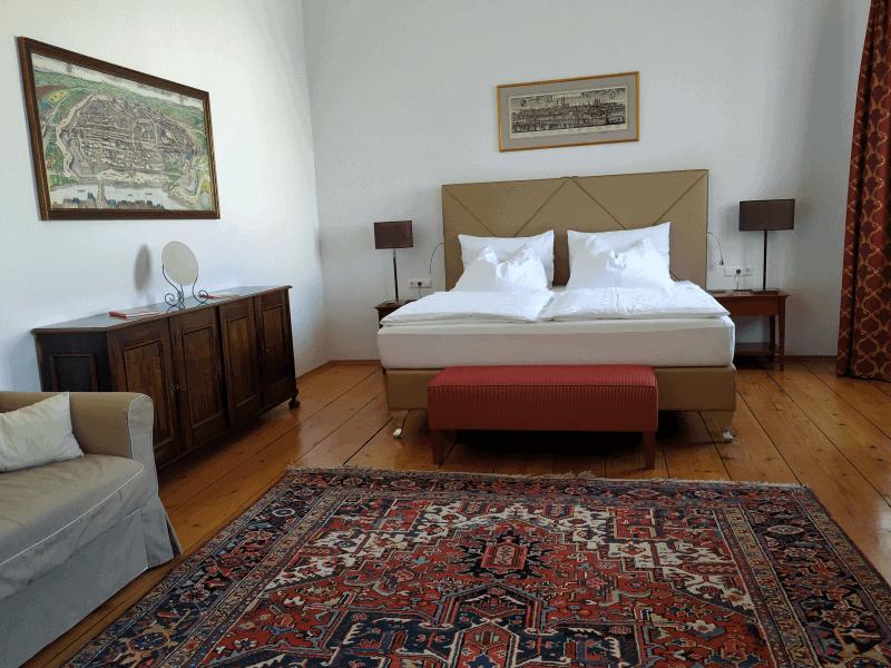 Liebevoll renoviert - die Zimmer im Schloss Hotel Mailberg.