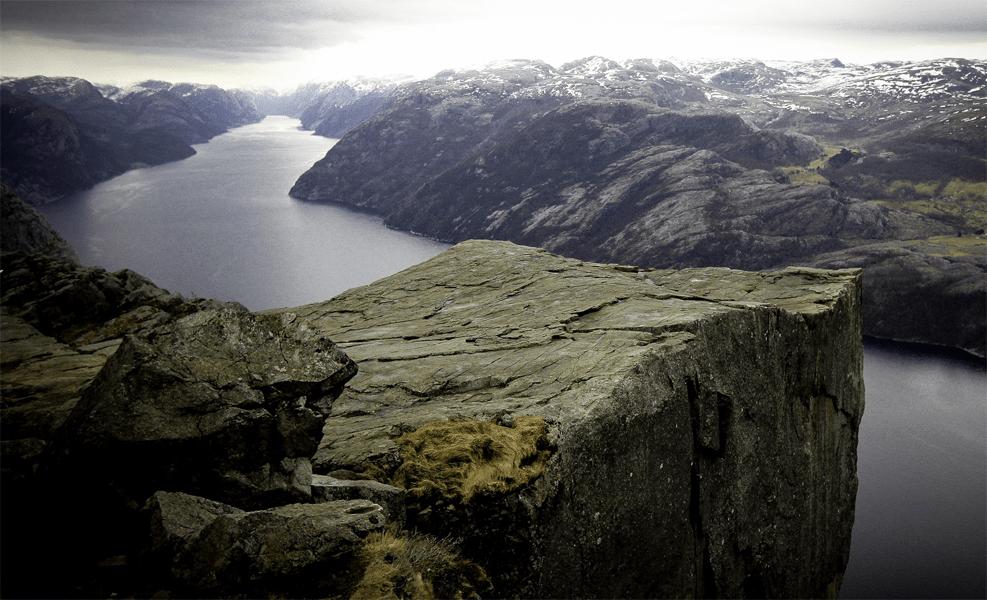 Atemberaubende Aussichtspunkte: hier vom Preikestolen in Norwegen