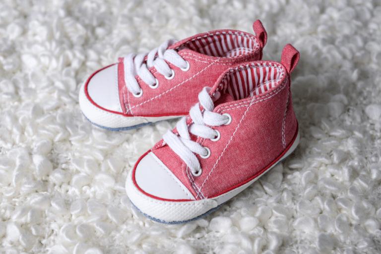 Sieben Irrtümer über Baby`s erste Schuhe