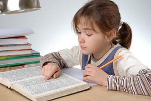 Alltagstaugliche Lösungen für kleine und große Schulprobleme bietet der Ratgeber 'Erfolgreich durch die Schulzeit'; Bildquelle: istockphoto, gbh007