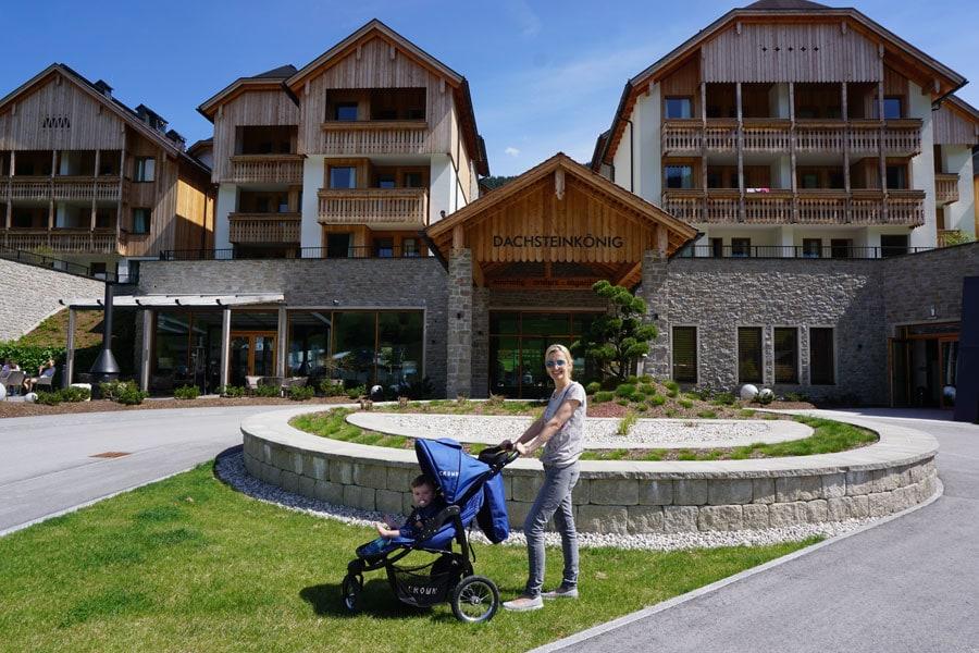 Das Hotel Dachsteinkönig von außen