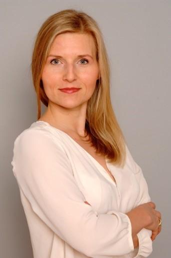 Daniela Holm, Adoptionsberatung