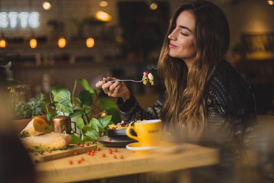Viele Dinge beeinflussen, welche Ernährung zu dir passt.