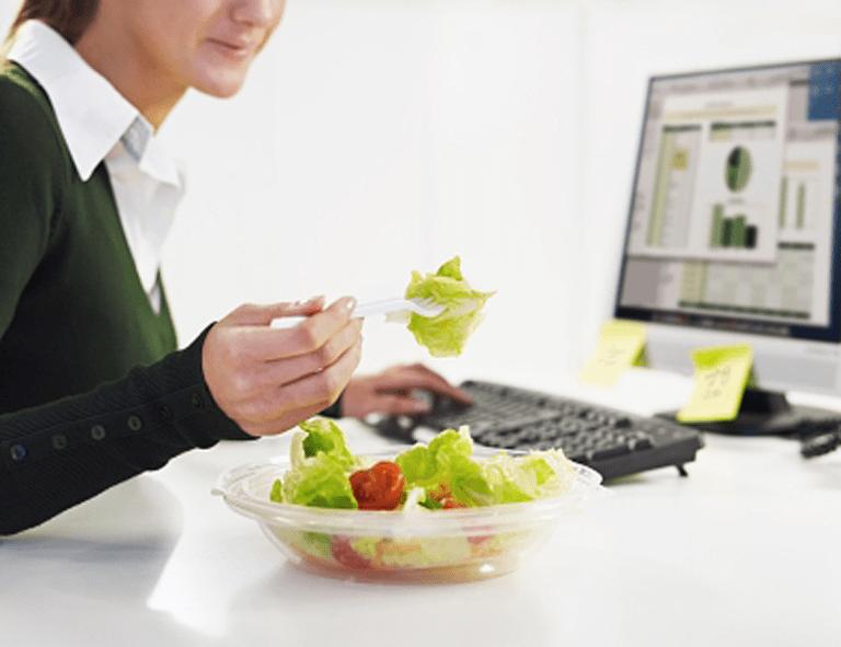 Vitalität durch die richtige Ernährung im Büro