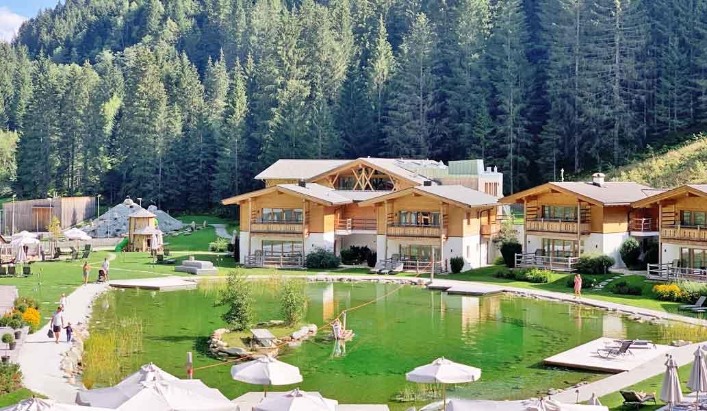 Idyllisch gelegen: das Feuerstein Nature Family Resort