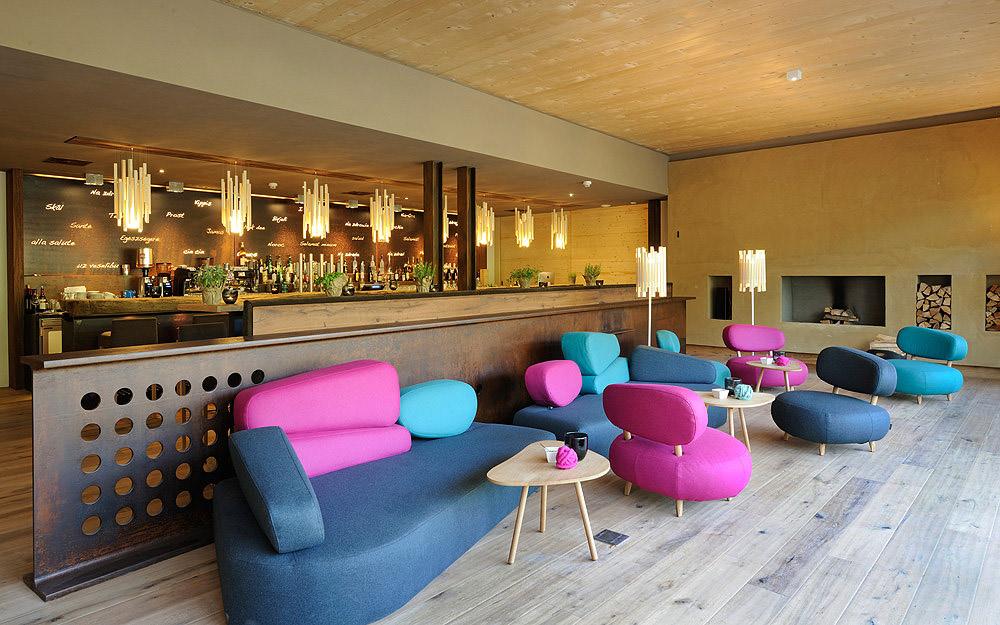 Die Bar im Holzhotel © Holzhotel Forsthofalm