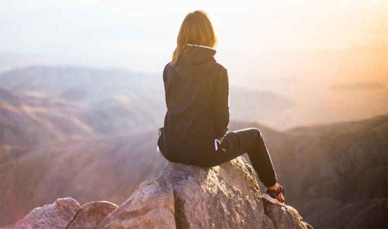7 Dinge, die Frauen heute auch alleine tun können