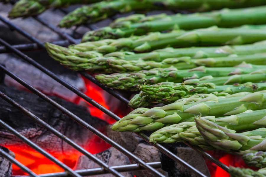 Spargel am Grill: leicht und ruckzuck fertig