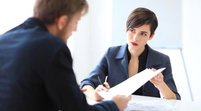 Verkaufen sich Frauen in Gehaltsgesprächen schlechter