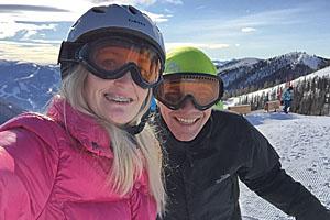 Heike und ihr Mann auf der Skipiste © Heike Wallner