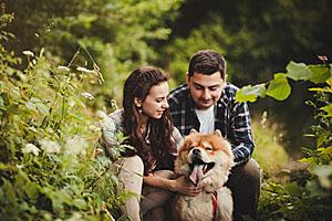 Über das Tier lernen sich viele Personen kennen; Bildquelle: jozzeppe777 - Fotolia.com
