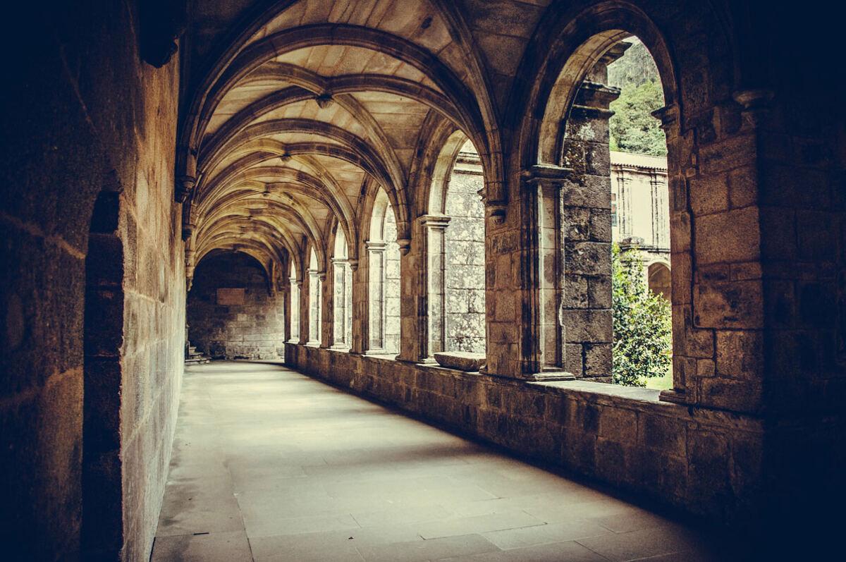 Genieß die Ruhe eines Klosters