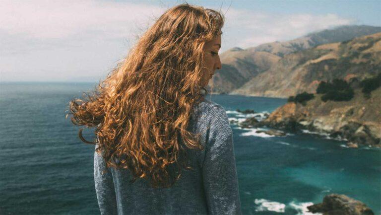 Locken: so bekommst du tolle Wellen in dein Haar