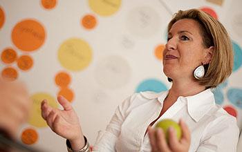 Business Coach Lucia Schultes gibt Tipps, wie Frauen im Job besser zur Geltung kommen; © Schultes und Partner, PR