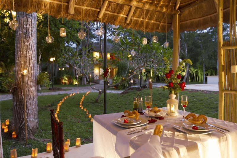 Im Garten des Chicanna Ecovillage Resort