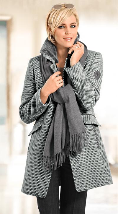 Mona bietet Mode für Frauen im besten Alter
