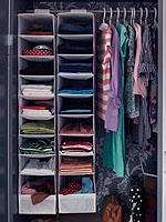Mit den praktischen Hängefächern bewahren Sie den Überblick; Bildquelle: Ikea