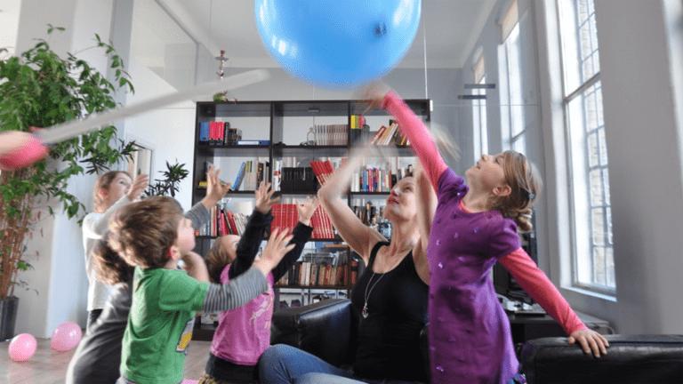 Weihnachtsfeier mit Kinderbetreuung – DIE KINDEREI macht es möglich