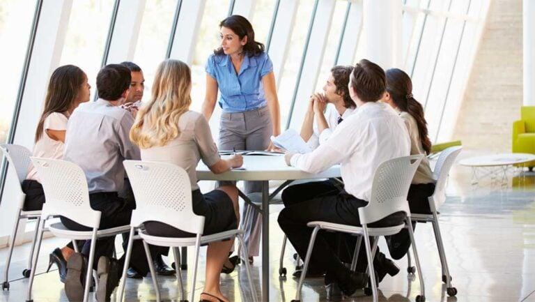 Rhetorik im Business: 5 Tipps für dein nächstes Meeting