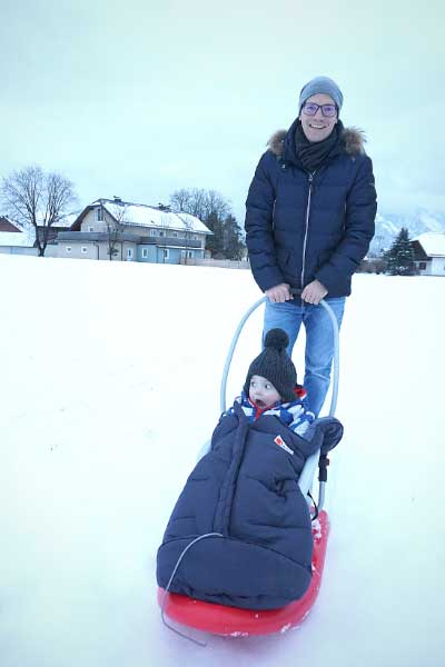 Schlittenvergnügen für die Kleinsten mit dem Snow Baby Dream Schlitten