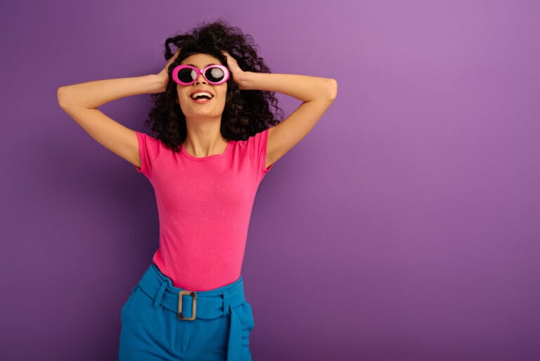 Pink dezent kombinieren: So passt die Sommer-Trendfarbe in jedes Outfit