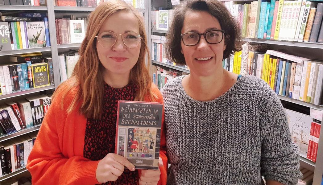 Susanne und Petra in der wundervollen Buchhandlung