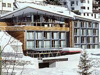 Das lichtdurchflutete Skihotel Lux Alpinae am Arlberg; © Skihotel Lux Alpinae