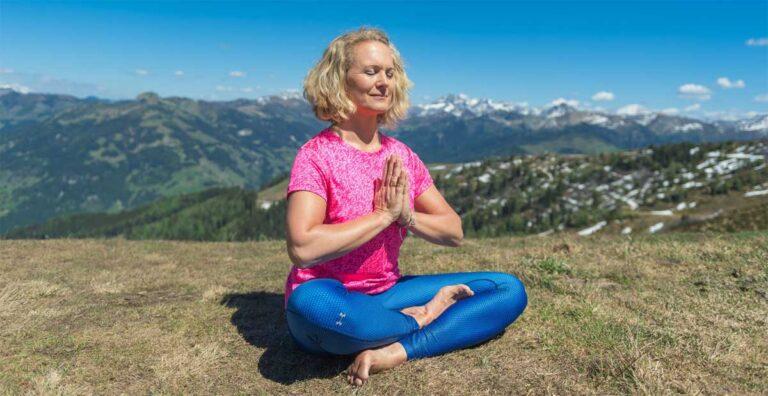 Winterblues mit Yoga begegnen - so geht's