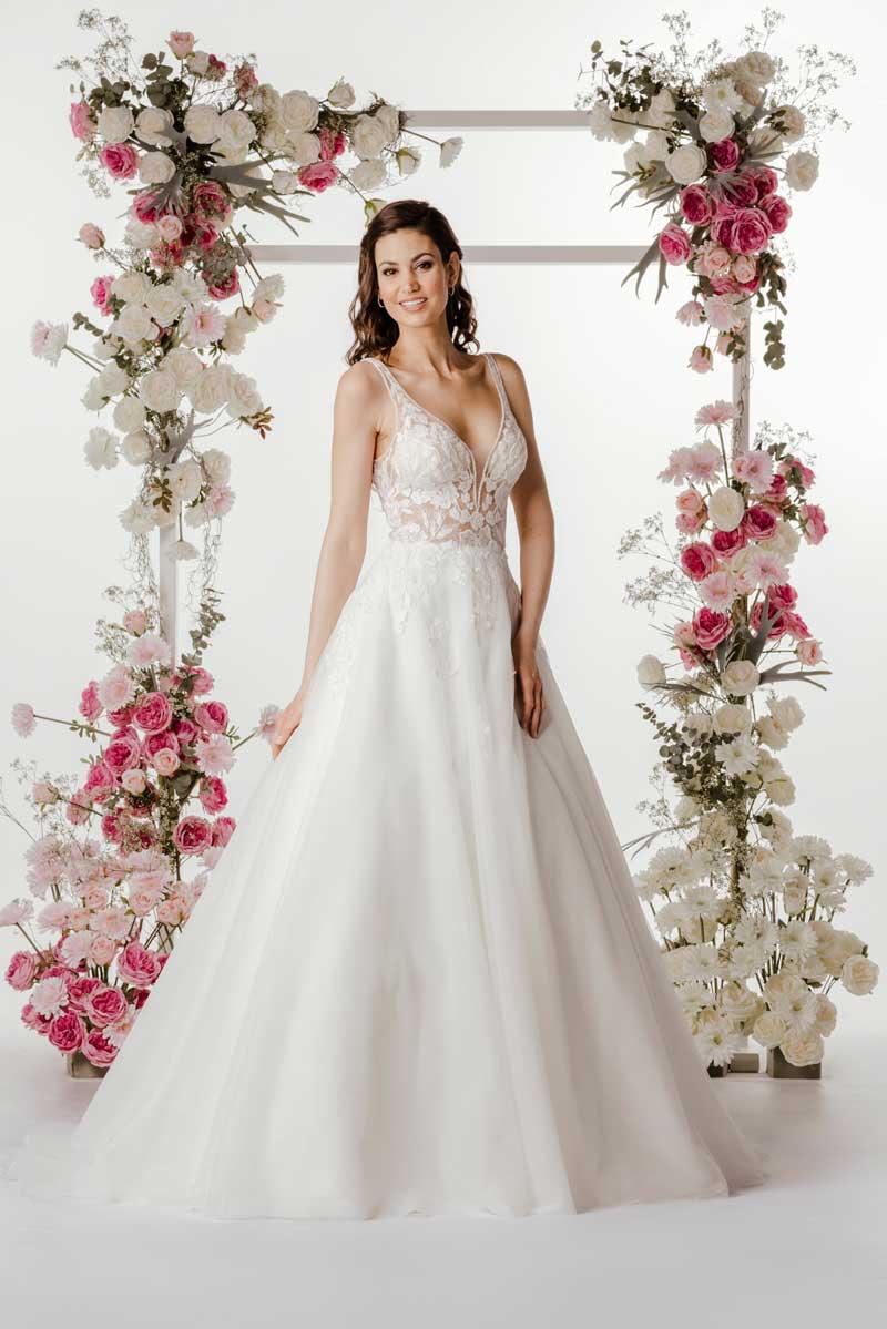 Brautkleid von Steinecker Brautmoden