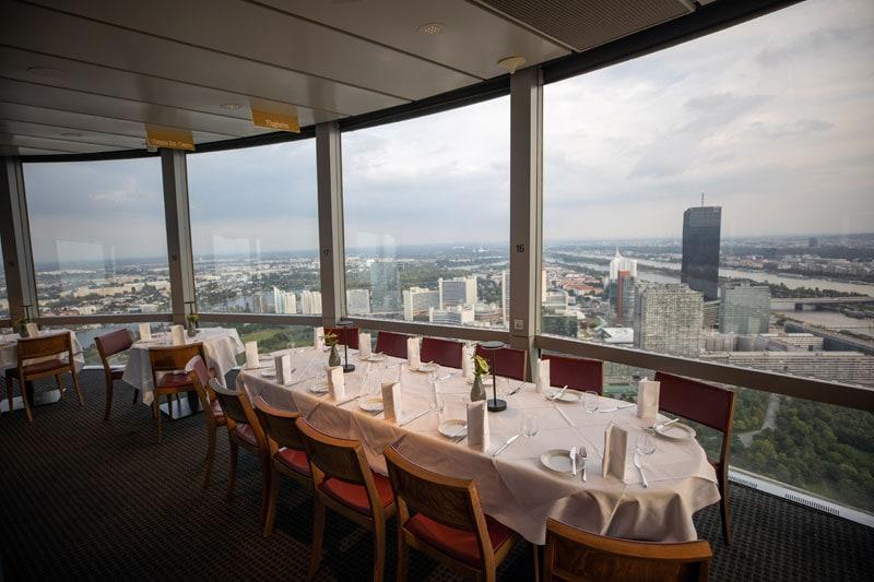 Dinner mit Weitblick am Donauturm