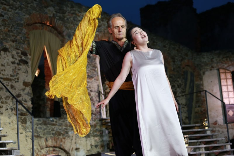 Entführung aus dem Serail in Naturkulisse der Oper Burg Gars
