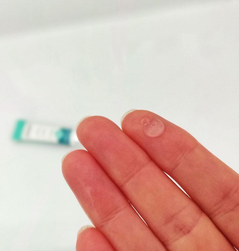 Textur des Eyelid Lifting Serums