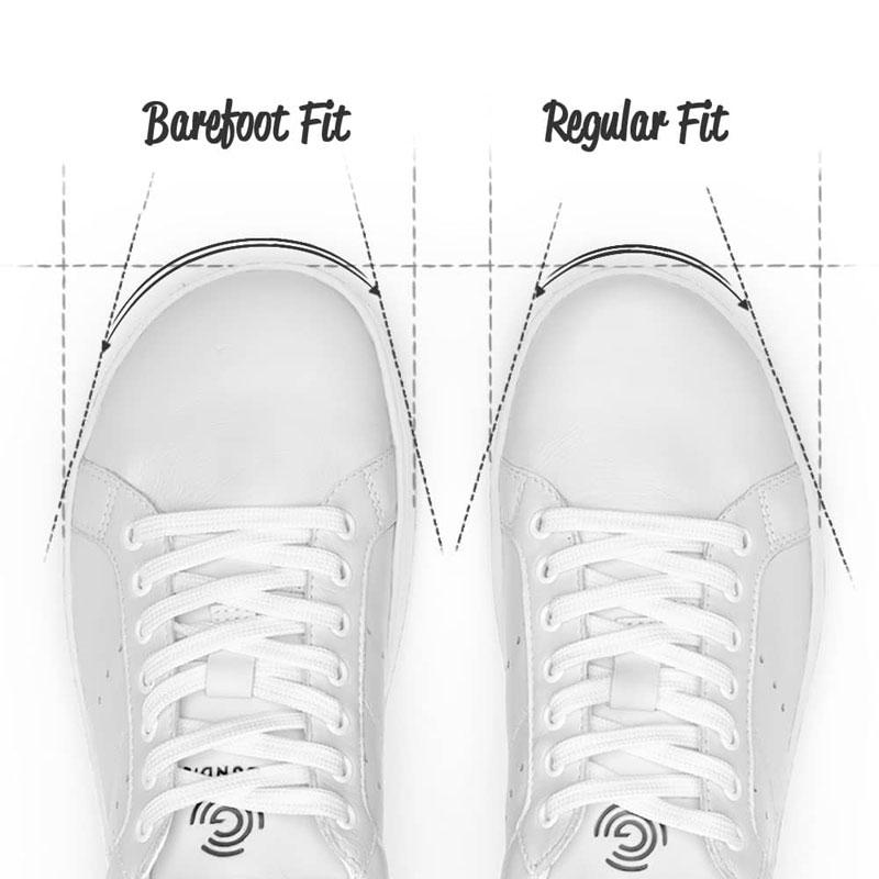 Der Unterschied zwischen Barefoot und Regular Fit bei den Groundies Barfuß-Sneakern.